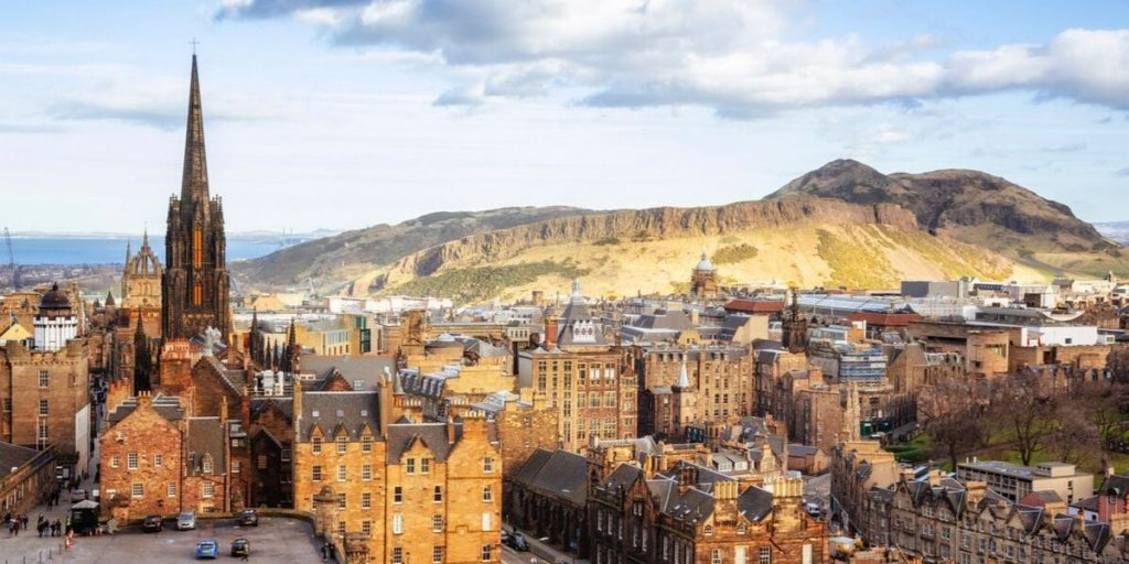 edinburgh old town to arthur's seat